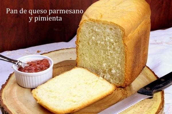 Pan de queso parmesano y pimienta
